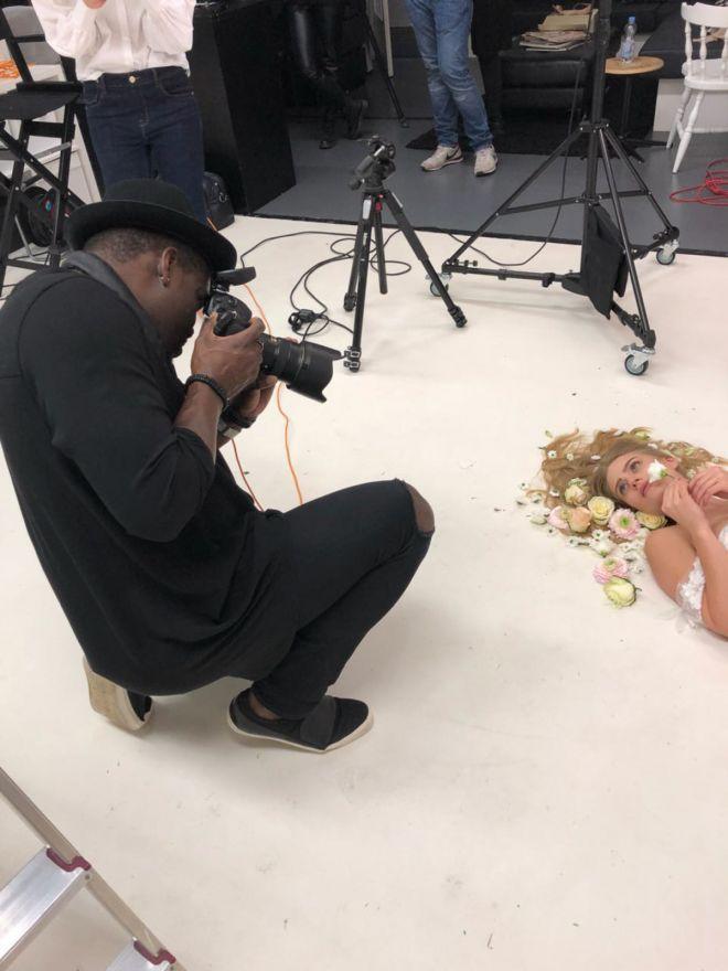 Portrait, blackandwhite, peterlindbergh, michelkitenge, studiofotografie, meisterfotograf, fotostudio, outdoorshooting, fotografaachen, profifotografaachen, bildretusche, fotokomposing, fotogutschein, foto, fotografaachen, fotostudioaachen, charakterportrait, schwarzweisfotografie, photography, michelkitenge